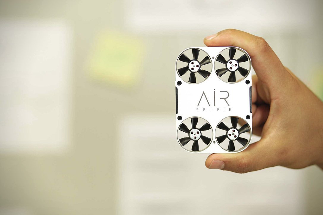 This AirSelfie Camera Lets You Snap Selfies From The Air