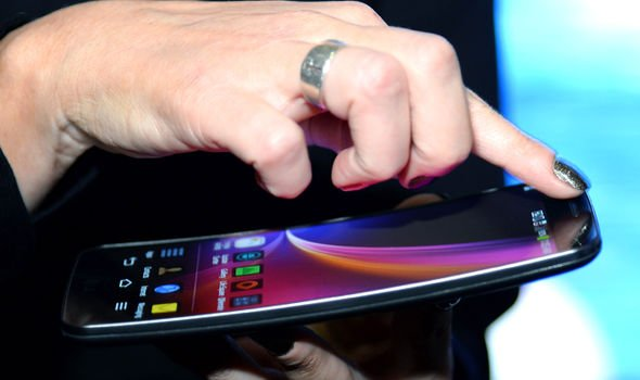 Google To Develop New FOLDABLE Phone With LG