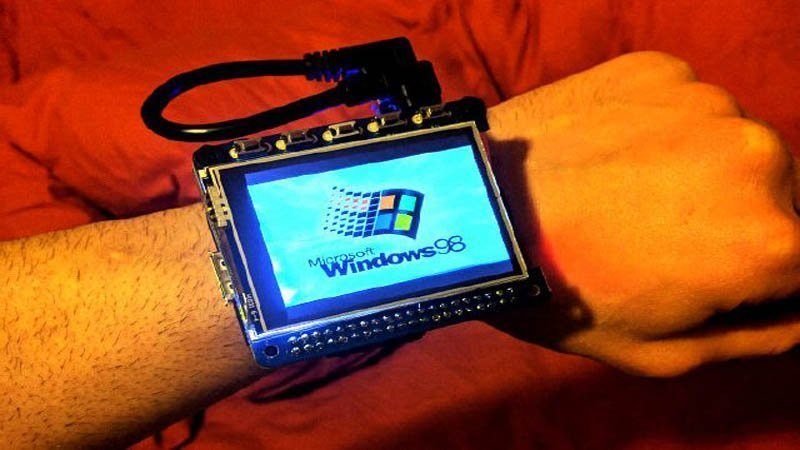 This is How You Can Run Windows 98 on Touchscreen Smartwatch