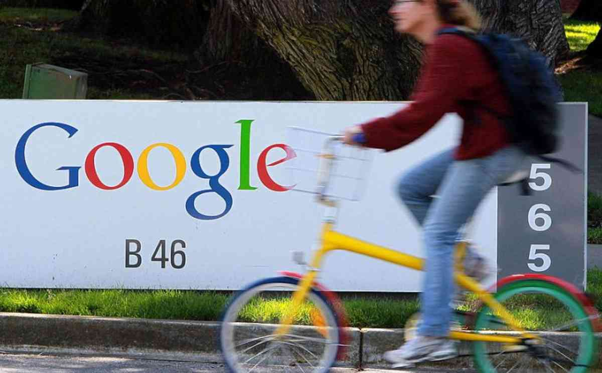US Regulators Blame Google For Underpaying Female Employees - 2017
