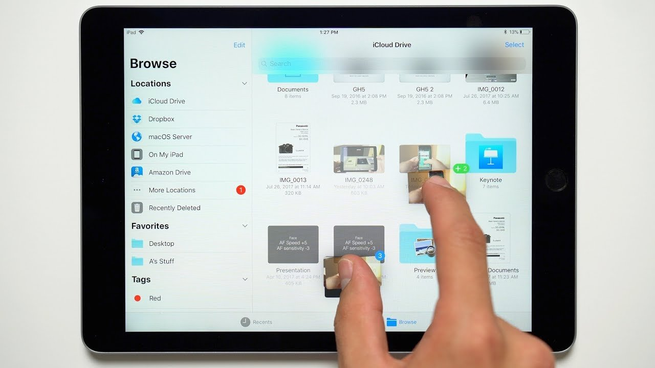 How to Use Multiple Apps at Once Only on an iPad