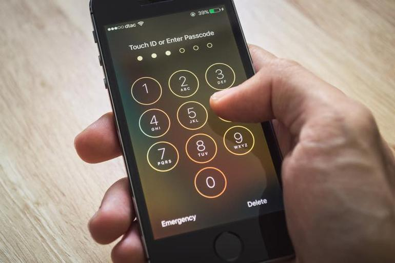 Brute Force Hack Allows Hackers To Crack iPhone Passcode Easily