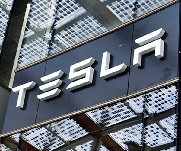 Tesla Sues Former Worker for Hacking and Transferring Data To Third-Party