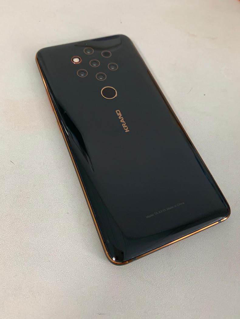 Nokia 9 PureView engineering machine